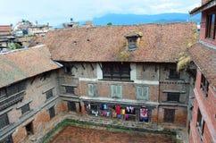 Bhaktapur, Nepal, septiembre, 28, 2013, escena del Nepali: nadie, ciudad antigua Bhaktapur En pueden 2015 destruidos parcialmente Foto de archivo libre de regalías