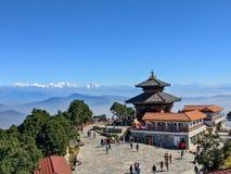 Bhaleshwor Mahadev寺庙在加德满都、尼泊尔和喜马拉雅山背景的 免版税库存照片