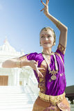 Bharatanatyam舞蹈执行者 免版税库存照片
