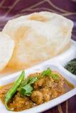 Bhature épicé de chole, concept de plat d'Inde photos stock