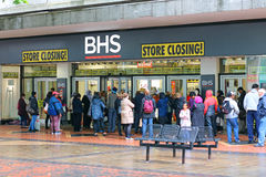 BHS closing down. Queuing for sale bargains. Royalty Free Stock Images