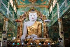 Bhudda logo no pagode da canela do ponya de u, região de Mandalay, Mandalay, Myanmar imagem de stock royalty free