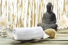 Bhuddha,毛巾,腌制槽用食盐 图库摄影