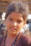 BHUJ, GUJARAT, INDIA - DECEMBER 20, 2013: Portret van een klein meisje Royalty-vrije Stock Foto's