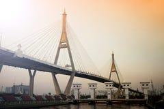 Bhumibol桥梁工业圆环桥梁或兆桥梁 免版税库存图片