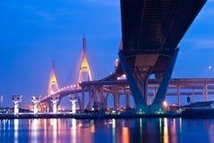 Bhumibol桥梁,工业圆环桥梁 库存图片