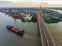 Bhumibol桥梁,日落的曼谷 免版税库存照片