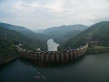 Bhumibol水坝鸟瞰图 免版税库存图片