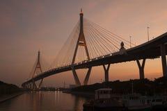 Bhumibol bro den industriella cirkelbron eller mega bro Royaltyfria Foton