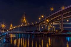 Bhumibol bro (industriella Ring Road Bridge) Arkivfoto