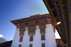 bhutan dzong inom punakha arkivbild