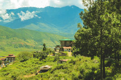 Bhutanese χωριό και terraced τομέας σε Punakha, Μπουτάν Στοκ φωτογραφία με δικαίωμα ελεύθερης χρήσης