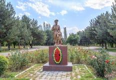 Biškek, Kirghizistan - 25 agosto 2016: Monumento al guar di frontiera immagini stock libere da diritti