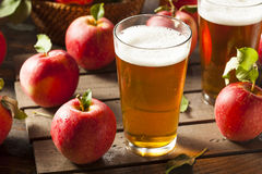 Bière anglaise dure de cidre d'Apple photo stock