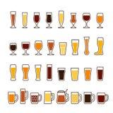 Bière dans les verres et des tasses, différents types Ensemble d'icône de vecteur Image stock