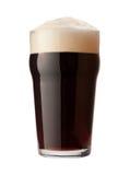 Bière de malt anglaise d'isolement avec le chemin de découpage photo stock