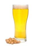 Bière et pistaches photo stock