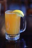 Bière froide avec le citron Images libres de droits