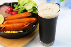 Bière noire Photographie stock libre de droits