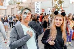 BIÈRE SHEVA, ISRAËL - 1ER MARS 2018 : Mascarade de rue de Purim sur la rue en bière-Sheva Jour heureux de purim en Israël Photo libre de droits