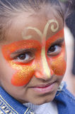 Bière-Sheva, ISRAËL - 5 mars 2015 : Portrait de jeune fille de brune avec le papillon de maquillage sur son visage - Purim Photo stock