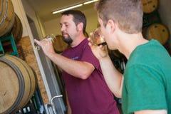 Bières de baril de brassage d'Oakshire Image libre de droits