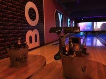 Bières et bowling Photos libres de droits