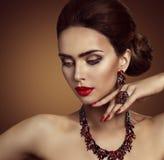 Biżuteria, piękno mody modela twarzy Jewellery, Ringowi kolia kolczyki Obraz Royalty Free