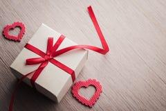 Biżuteria prezenta czerwony pudełko Zdjęcie Royalty Free