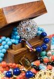 Biżuteria Z Drewnianym pudełkiem Obraz Royalty Free