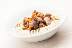 Bi Toum Hummus Labneh lizenzfreie stockfotos