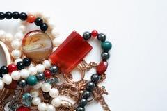 Biżuteria na bielu Zdjęcie Stock
