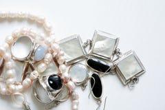 Biżuteria na bielu Obraz Stock