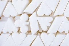 Białego cukieru tło Kształt karta do gry kostiumu symbol Nałóg cukierki lubi uprawia hazard nałóg zdjęcie royalty free