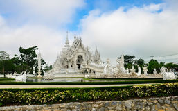 Biała świątynia Wat Rong Khun Zdjęcia Royalty Free
