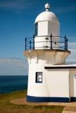 Biała błękitna latarnia morska obraz stock
