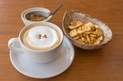 Biała ceramiczna filiżanka kawy zdjęcia royalty free