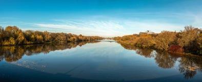 Biała Elster Weisse Elster rzeka w Leipzig, Niemcy obrazy stock