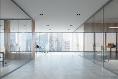Biała i drewniana otwarta przestrzeń i pokój konferencyjny Fotografia Stock
