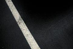 Biała linia na czerń wierzchołku Fotografia Royalty Free