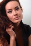 Biała mody kobieta, brown piękny długie włosy i oczy w czarnej kamizelce, Zdjęcie Royalty Free