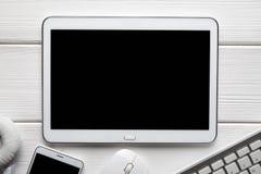 Biała nowożytna cyfrowa pastylka i inni elektronika akcesoria zdjęcia royalty free