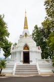 Biała pagoda przy Wata Doi Mae ssanie w żołądku Zdjęcie Royalty Free