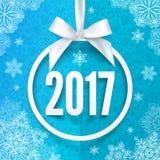 Biała papierowego round rama z silky łęku i 2017 rok liczbą inside Fotografia Stock