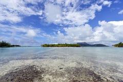 Biała piasek plaża w Polynesia Zdjęcia Stock
