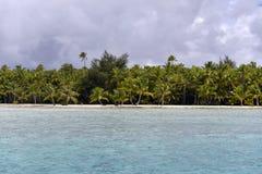 Biała piasek plaża w Polynesia Zdjęcie Stock