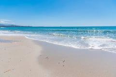 Biała piaska i turkusu woda w Maria Pia wyrzucać na brzeg obrazy royalty free