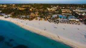 Biała piaskowata plaża Zanzibar Obrazy Stock