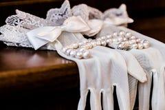Biała rękawiczki panna młoda Zdjęcie Stock