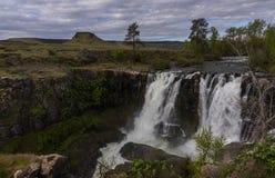 Biała rzeka Spada w wiośnie obraz royalty free